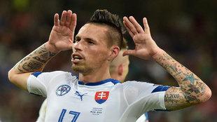 Hamsik celebra su gol