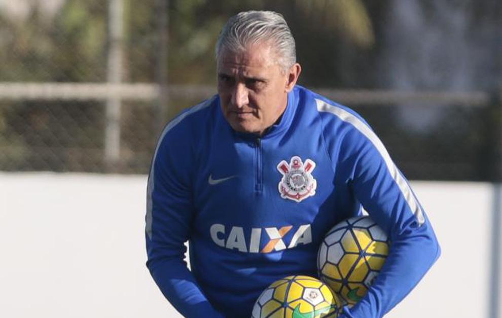 Tite, en un entrenamiento con Corinthians.