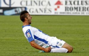 Borja L�zaro celebra un gol con el Legan�s.