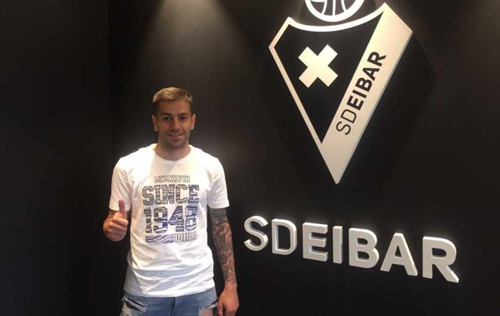 Ruben Peña, durante su presentación con el club eibarrés.