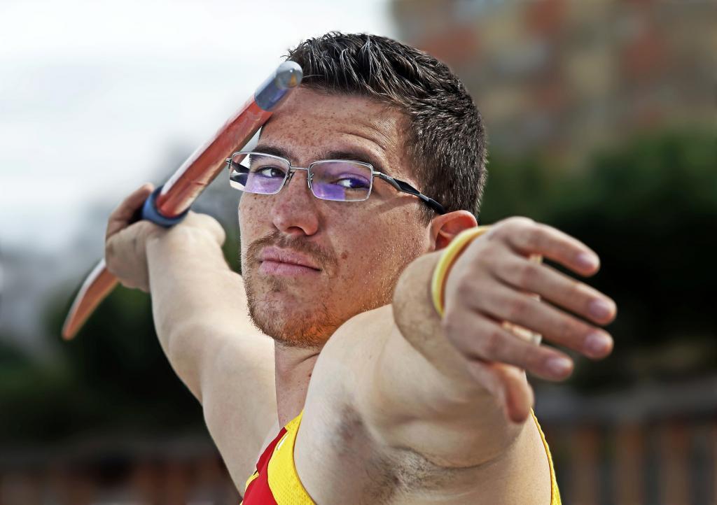 Héctor Cabrera preparado para el lanzamiento de jabalina en un...
