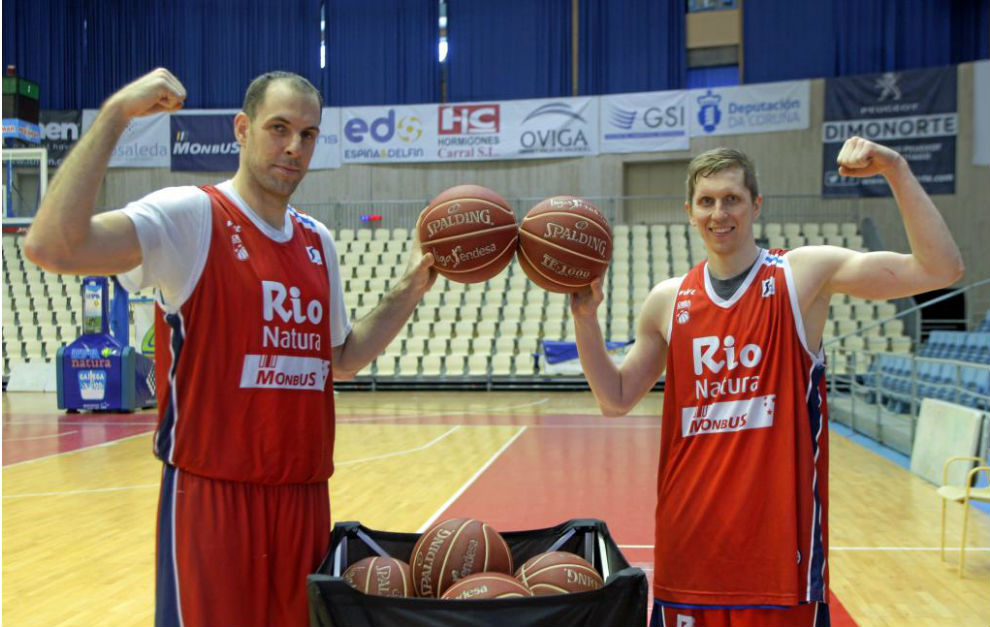 Maric y Kolesnikov durante su presentación como jugadores del...