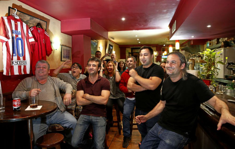 Aficionados turcos, en el restaurante preferido de Arda en Madrid