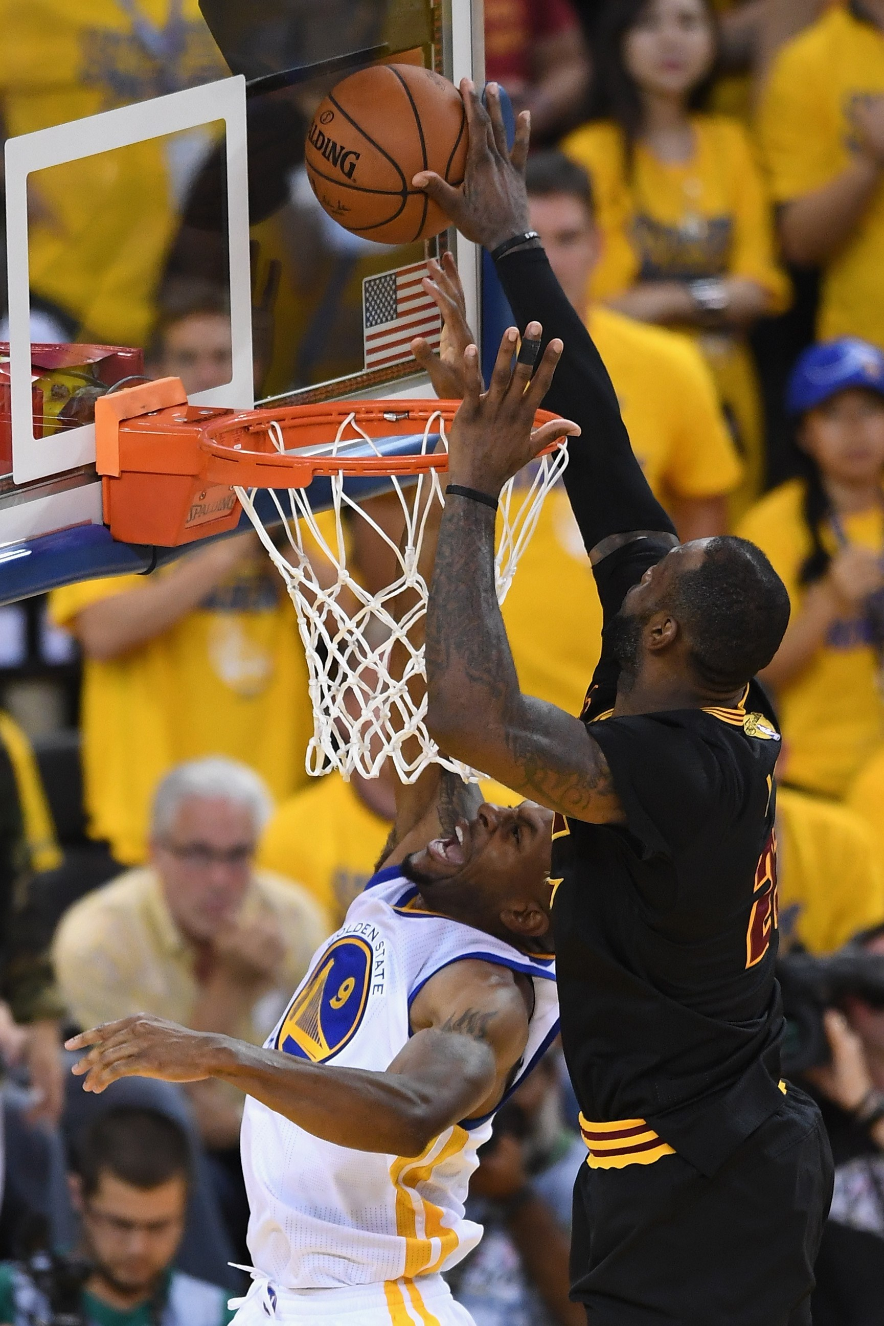 Cavaliers campeones NBA  Los Cavaliers de LeBron ganan la NBA en ... a43fc8d0511