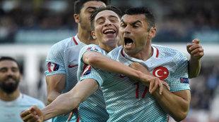 Yilmaz celebra su gol.