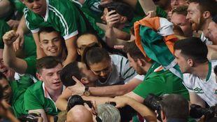 La pareja de Brady, besada por el que hombre que toda Irlanda quería...