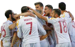 El combinado espa�ol celebrando el gol ante Croacia