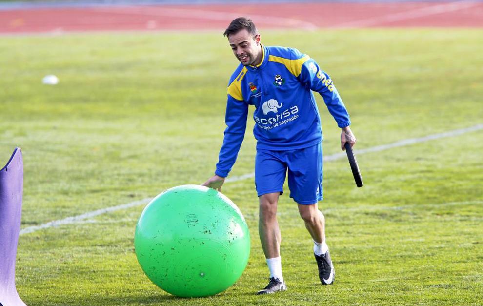 Dani Benítez en un entrenamiento con el Alcorcón