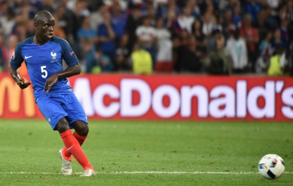 Kanté durante un partido con Francia en la Eurocopa.