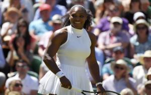 Serena se ríe en la pista