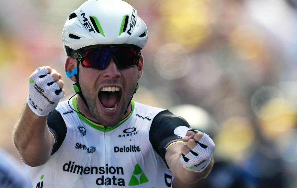 Mark Cavendish celebrando su triunfo de etapa.