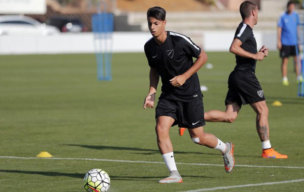 Mastour entrenando con el Málaga.