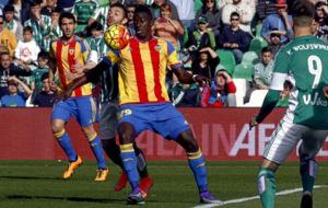 Zahibo disput� varios partidos con el primer equipo valencianista.