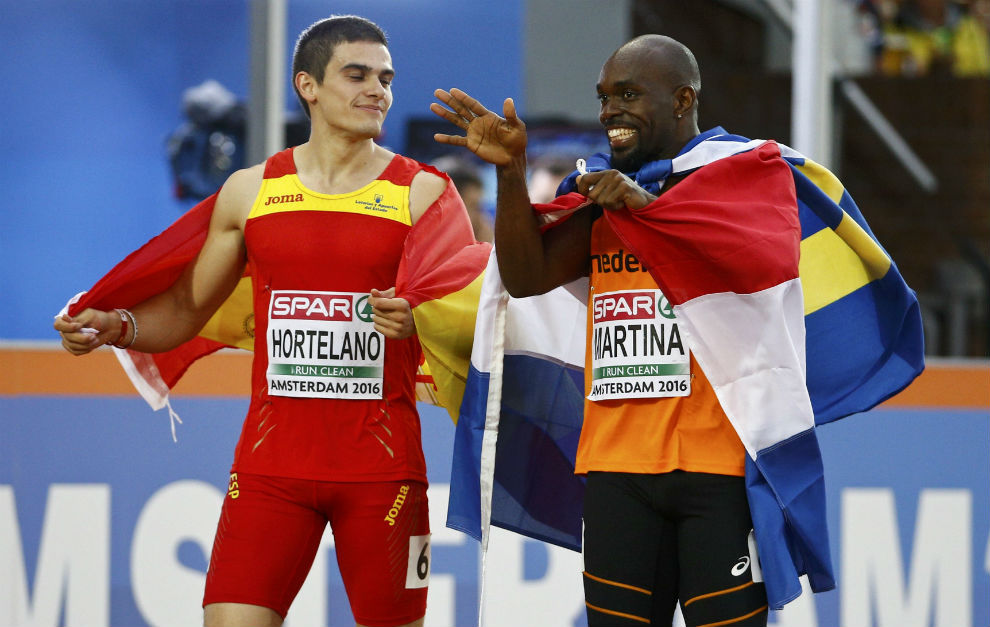 Bruno Hortelano, junto a Churandy Martina tras acabar la final de los...