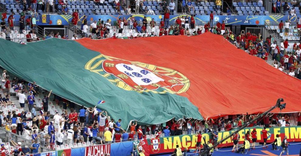 La bandera portuguesa, en uno de los fondos del Stade de France