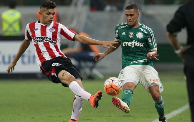 Schiappacasse, en un partido de River y Palmeiras en la Copa...