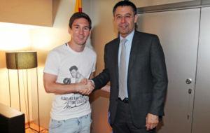 Messi y Bartomeu, en la �ltima renovaci�n azulgrana