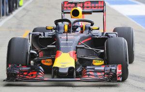 Pierre Gasly prueba el 'halo' el martes en Silverstone.