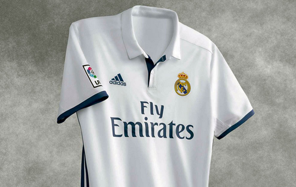 Real Madrid  Ya está a la venta la camiseta del Real Madrid 2016 ... 01034b4be5a5f