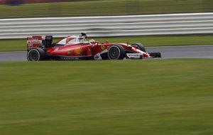 Raikkonen pilota su Ferrari durante la segunda jornada de test en...