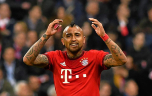 Arturo Vidal en un partido con el Bayern
