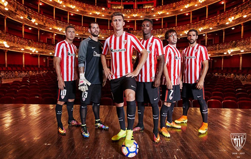 b69ec66182710 Los jugadores del Athletic posan con la nueva indumetaria.