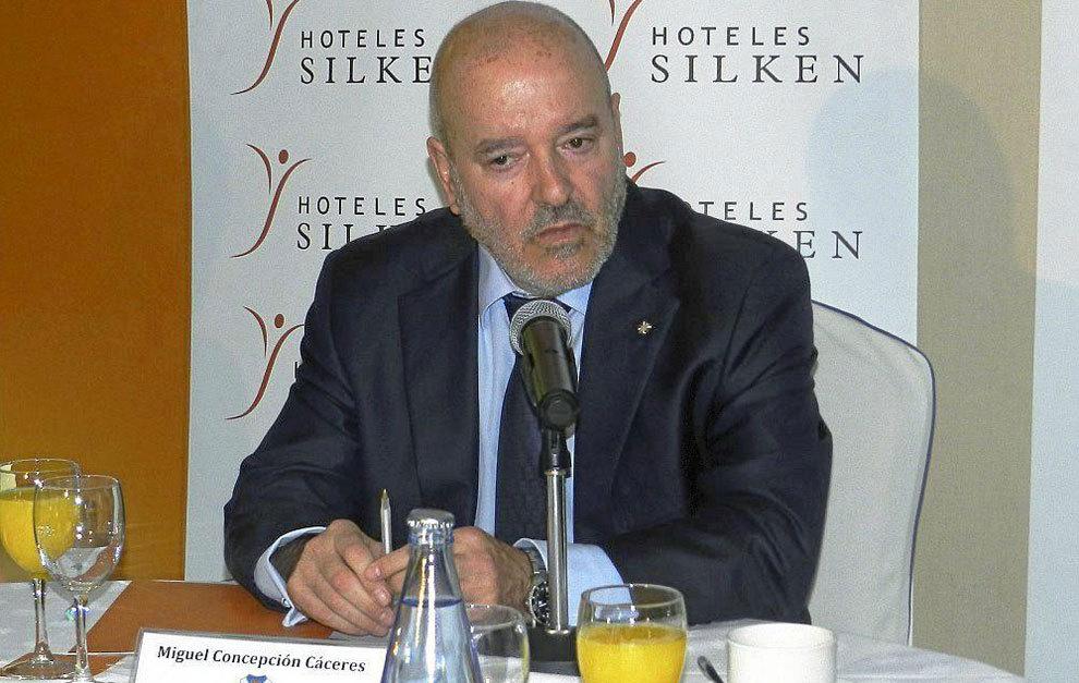 El presidente del CD Tenerife, Miguel Concepción durante un acto