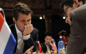 Carlsen contra Giri en el torneo de Bilbao