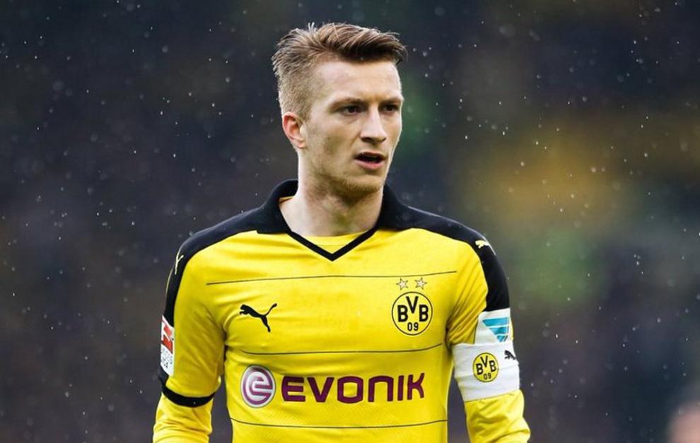 Reus con el brazalete del Borussia Dortmund