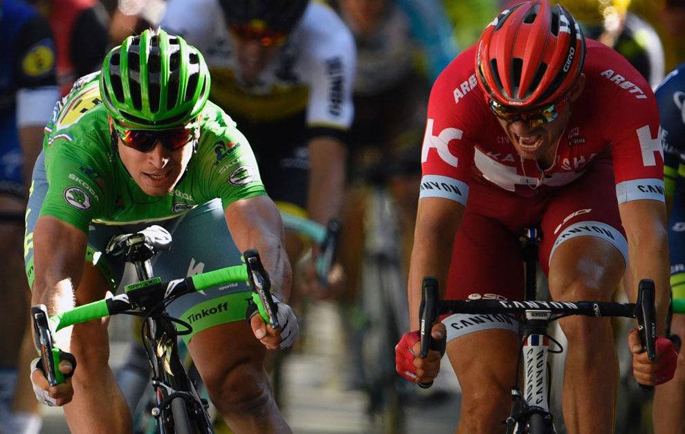 Peter Sagan superó a Kristoff por escasos milímetros.