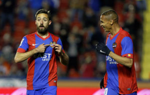 Morales (28) celebra un gol en el Ciutat de Valencia.