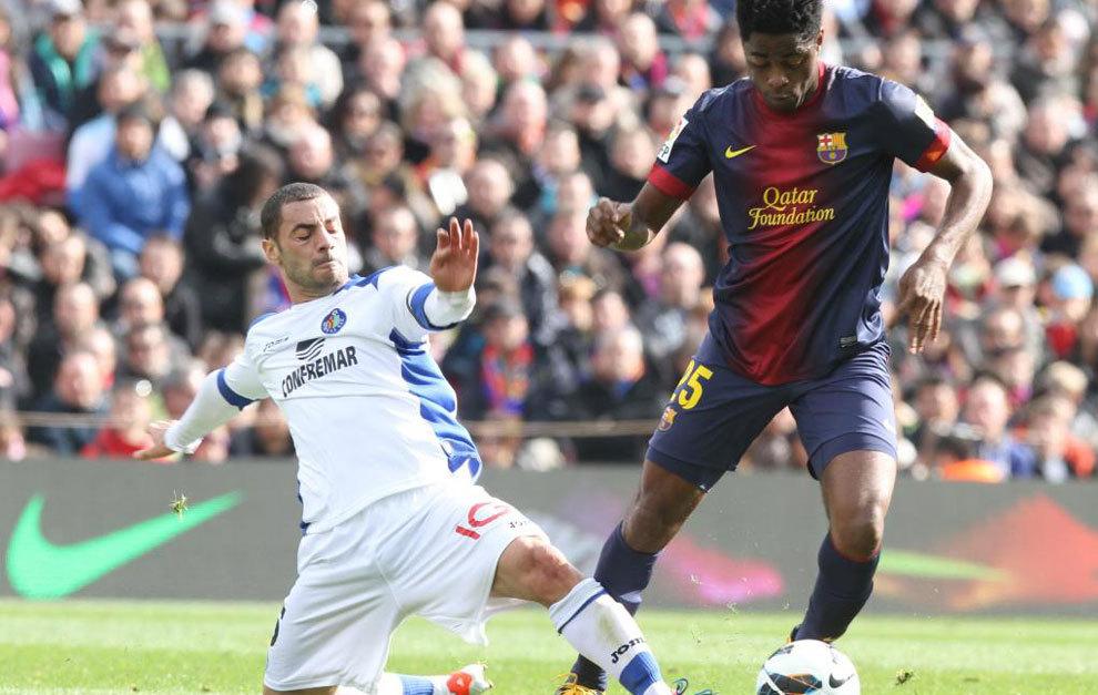 Álex Song fichó por el Barcelona procedente del Arsenal. /