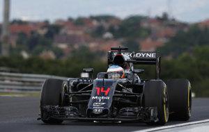 Fernando Alonso, rodando con el McLaren en Hungaroring