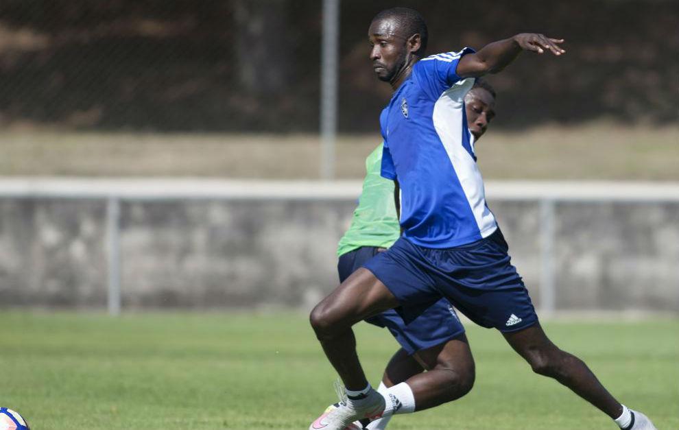 Diamanka, en un entrenamiento en Boltaña con el Zaragoza.