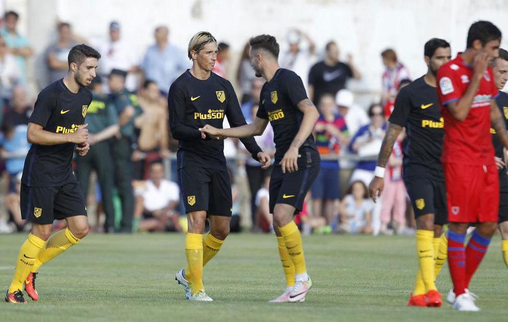 Torres celebra su gol.