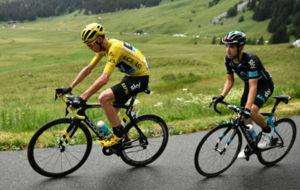 Christopher Froome y  Mikel Nieve durante el Tour de Francia