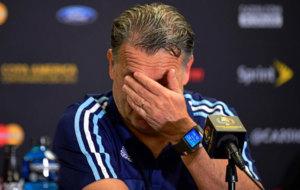 Martino en una conferencia de prensa como seleccionador argentino.