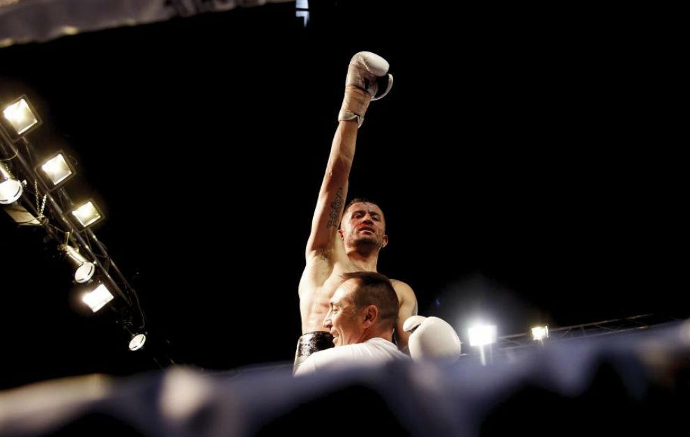 Nieto tras proclamarse campeón del combate.