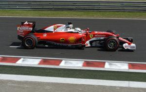 Sebastian Vettel, a los mandos de su Ferrari en Hungr�a.