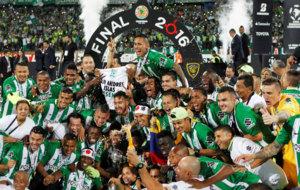 Atlético Nacional celebra su segundo título continental.