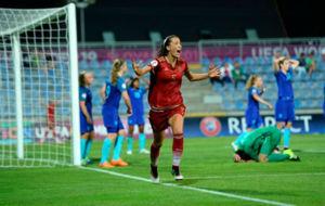 Marta Cazalla celebra el tercer gol de Espa�a ante Holanda.