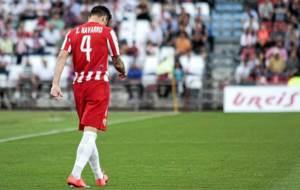 Un cabizbajo Ximo Navarro durante un partido de la pasada temporada