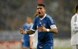 Boateng celebra un gol con el Schalke