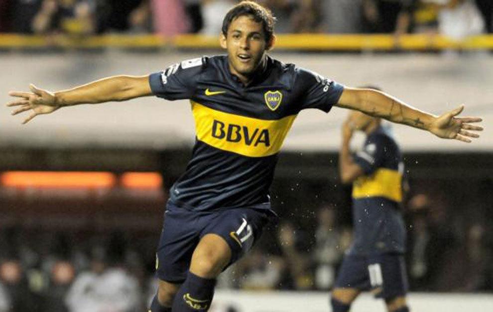 Meli celebra un gol con Boca.