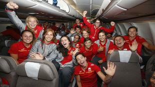 La expedición española, en el avión rumbo a Río