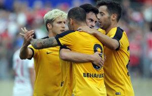 Keko, Sandro, Juanpi y Jony celebran el 0-1 del M�laga