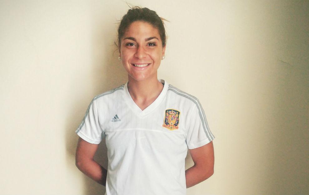 Sandra Hernández posa en el hotel antes de la final del Europeo...