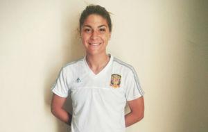 Sandra Hern�ndez posa en el hotel antes de la final del Europeo...