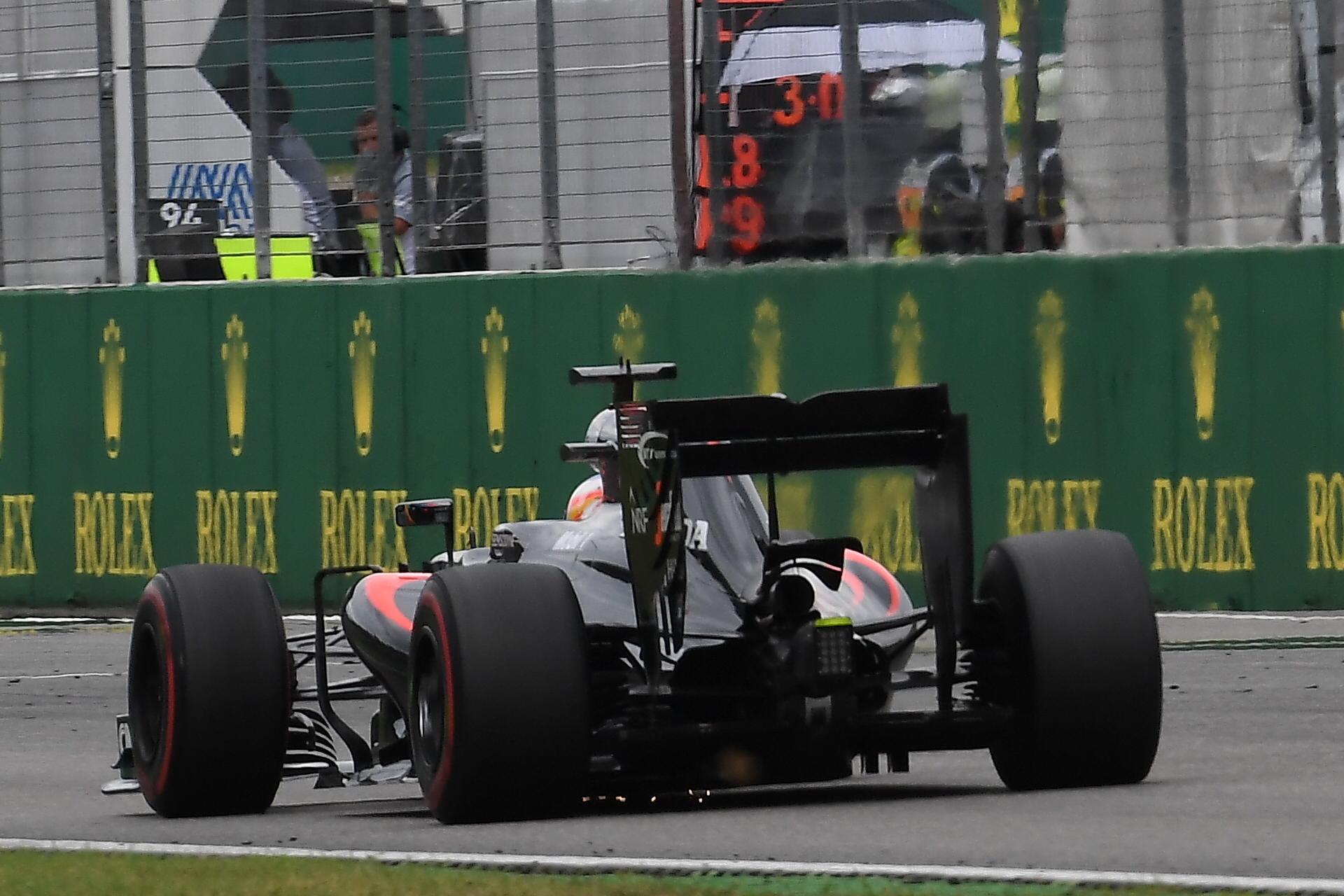 Alonso en la recta de meta de Hockenheim
