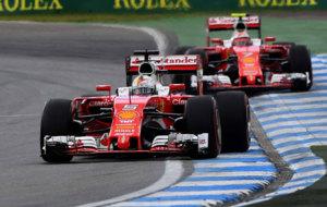 Vettel y Raikkonen en el circuito de Hockenheim durante la carrera